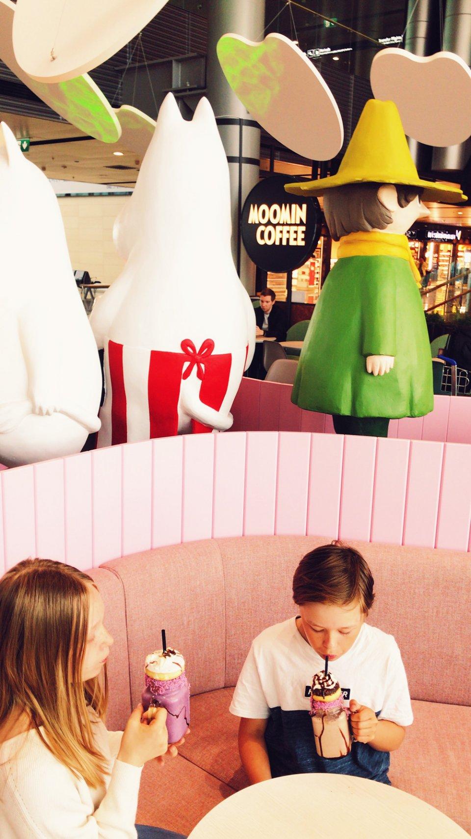 Moomin_Coffee_Helsinki_Airport_Cafe_Portions-960x1707