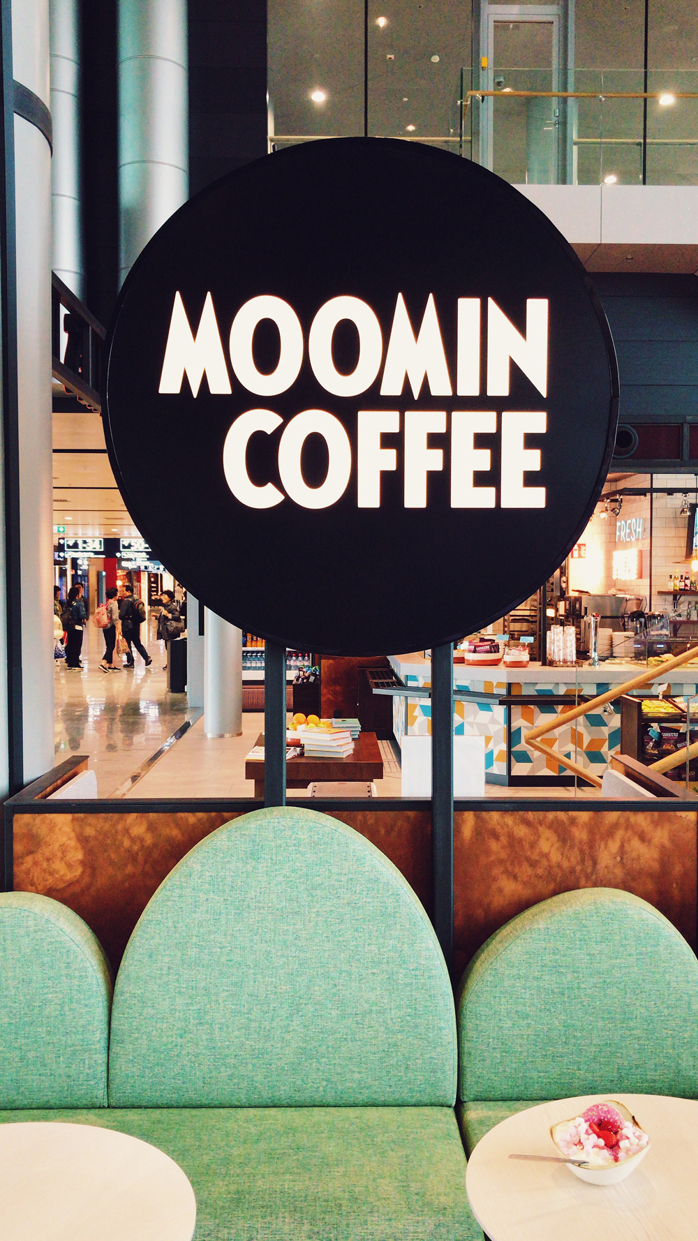 Moomin_Coffee_Helsinki_Airport_Sofa